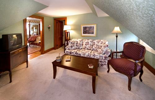 Separate Living Room in The Kingsleigh Turret Suite